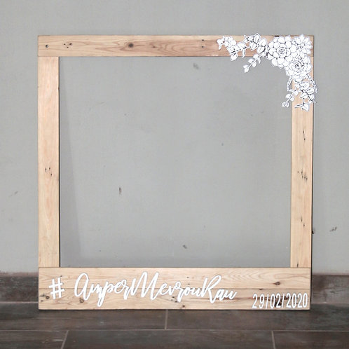 Pallet Photobooth Frame