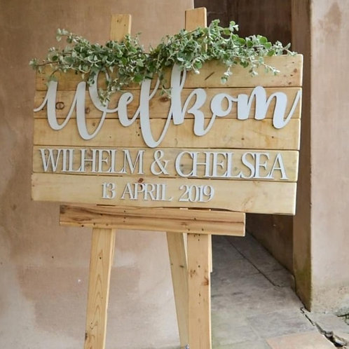 Pallet Welcome Board
