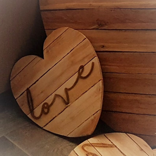 Small Pallet Hearts engraved Love