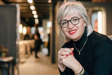 Irena Knöpfel | Friseurmeisterin | Zweithaarspezialist