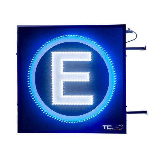 Painel de LED para estacionamento 80x80 - Dupla face