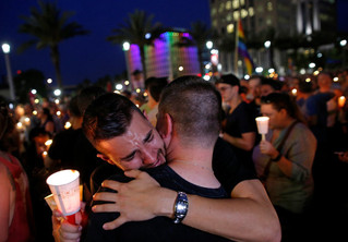 Those Grieving Over Orlando Can Get Free Mental Health Services Thanks To This Insurance Company