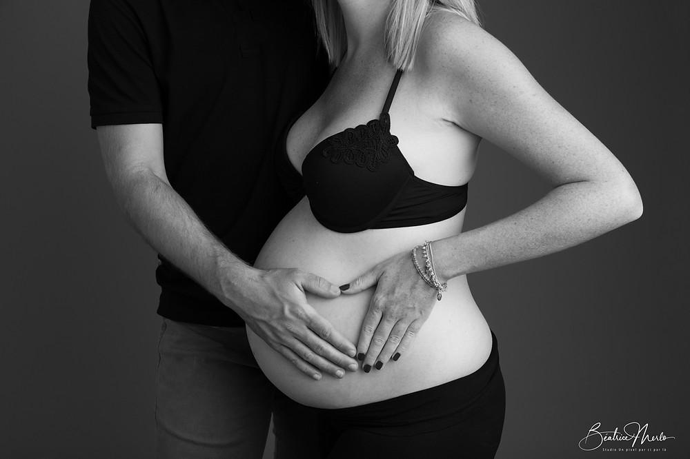 couple grossesse coeur Noir & Blanc ventre rond