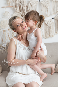 maman enfant calin amour bisous déco macramé