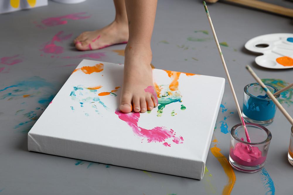 séance peinture peintre enfants Gard