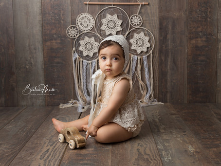 Studio photo Redessan Gard - Séance bébé je tiens assis 6-10 mois  - Photographe Gard
