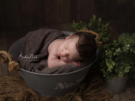 Où photographier mon bébé dans le Gard - Séance photo naissance studio Redessan Nîmes Avignon