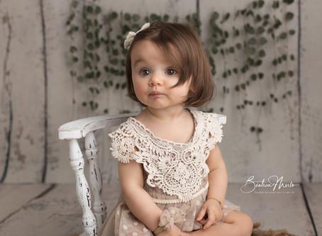 Photographe bébé je tiens assis Gard - Séance photo bébé 8 mois Nîmes Redessan