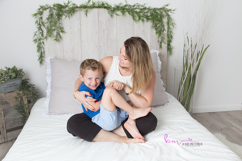 mini séance fête des mamans avec bébé enfant gard 30