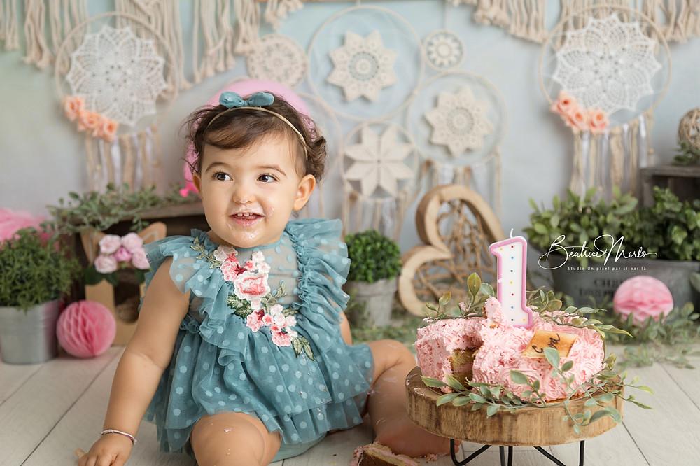 bébé fille 1 an gâteau bougie séance photo