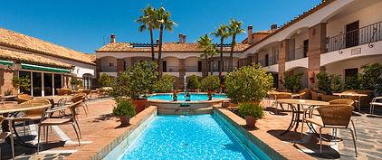 C18_La-Cala-Golf-Resort_Pool.jpg