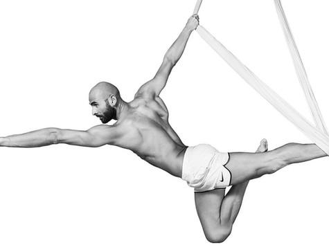 """""""E' dal disequilibrio che nasce l'equilibrio"""" Cristian Bevilacqua ideatore della disciplina FLYING Y"""