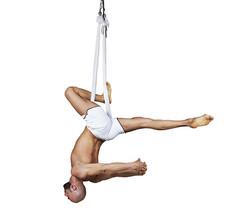 flying yoga dance 02