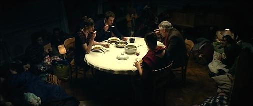 Les mendiants de Alexandre Rabinel Prod. Le Grec Costumes Marianne Perreau assistée de Agathe Helbo
