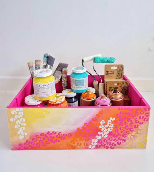 Hand painted storage box with a gradient and leopard print design. Can be turned on its sidfe to be used as a side table also 50€. (Contents not included)
