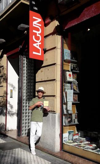"""Carlos Clavería Laguarda: """"La poesía sigue siendo un género literario; la novela será el editorial"""""""