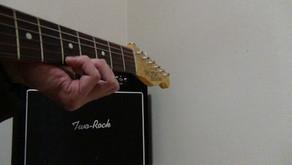 弦移動にともなう押さえ方の調節