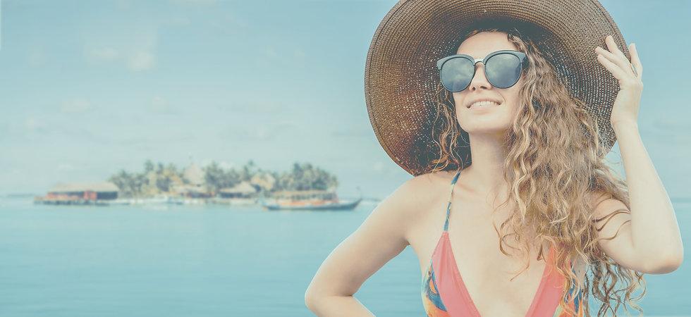 beach-summer-vacation__biancoblue_freepik_edited.jpg