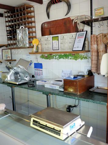 dewi shop interior2.jpg