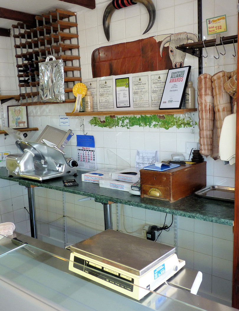 dewi shop interior2.jpg
