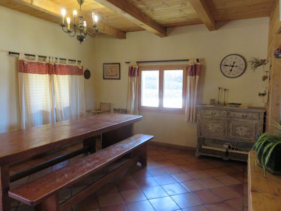 Gite le Carlit Targasonne salle à manger