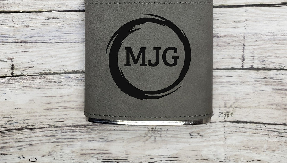 Circle Wreath with Initials- Flask