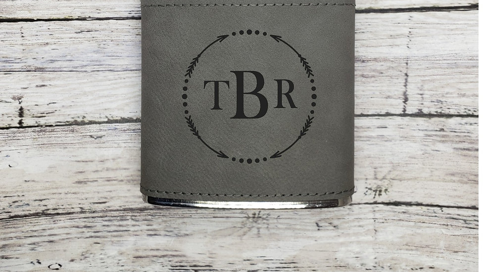 Arrow Wreath with initials- Flask