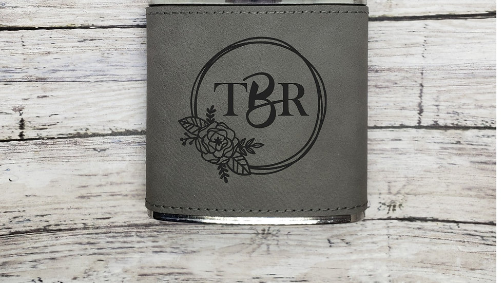 Flower Wreath with initials- Flask