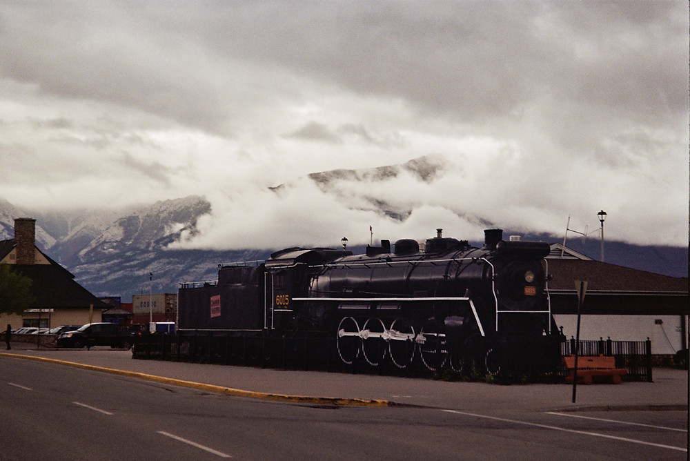 Jasper, Train