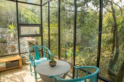 ctn cabine glass house
