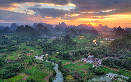 """Gorgeous Guilin photography tour: sunset at cuiping area yangshuo china."""