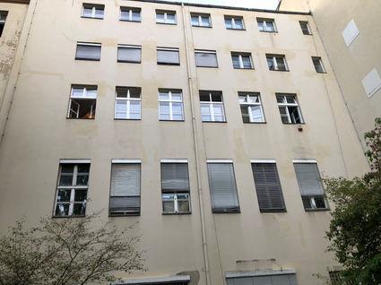 Fassadensanierung mit Seilzugangstechnik.jpg
