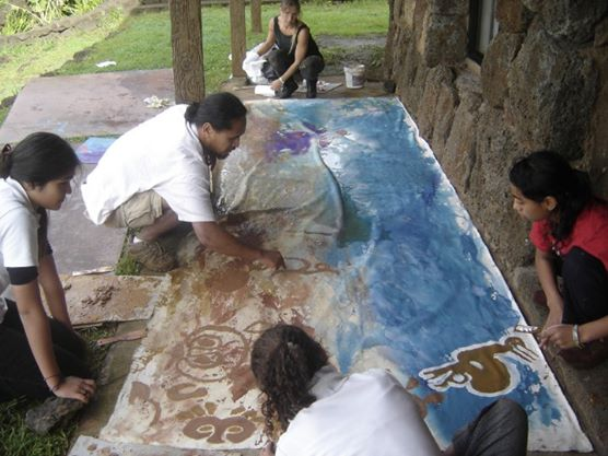 Pintando en rapa Nui, Isla de Pascua