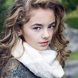 Ella-Blue Van Craeynest