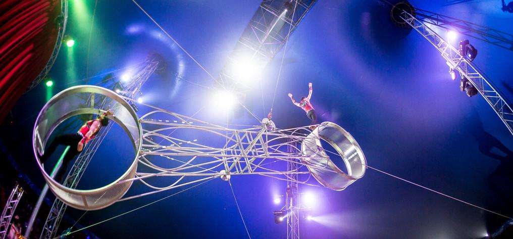 weihnachtscircus-Los-Ortiz-1-Skywheel_ed