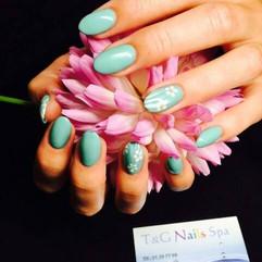 Akryl negle med håndmalede blomster