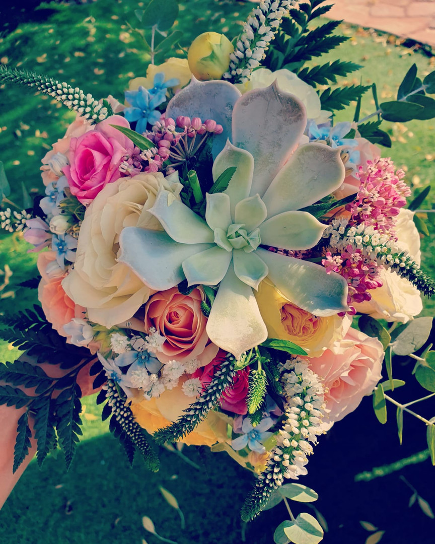 מעצבת פרחים