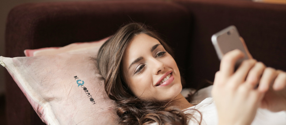 Muchas horas frente a los dispositivos pueden causar desde insomnio, hasta envejecimiento prematuro.