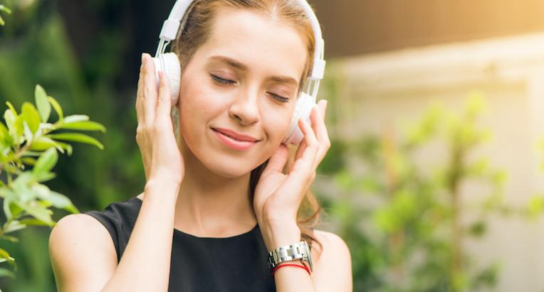 Escuchar música disminuye los dolores, fortalece el sistema inmune y hasta elimina el estrés.