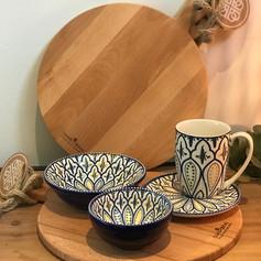 purewood ronde serveerplank + 1 mok + 1 bordje + 1 bowl + 1 max bowl / Sevilla