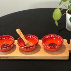 purewood serveerplank met 3 uitsparingen 46cm + 3 bowls SOL  (lepeltje exclusief)