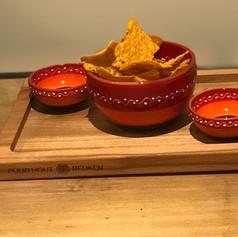 purewood rechth.foodplank met handvat en 1 vak -  35cm + 1 bowl Sol + 2 minibowls (lepeltje exclusief)