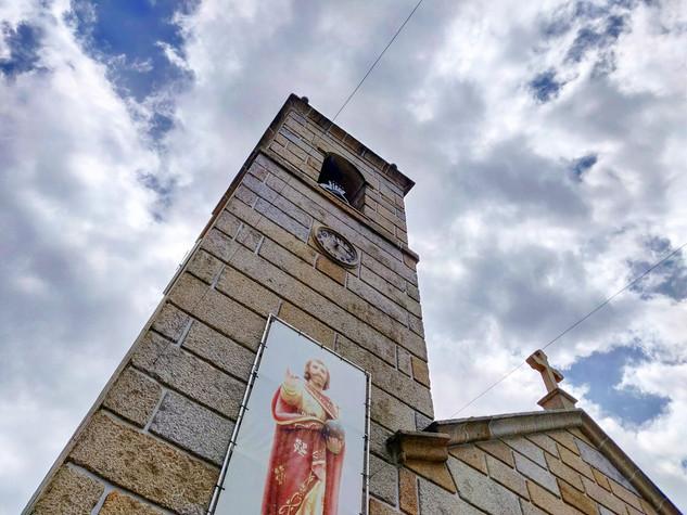Igreja Matriz do Divino Salvador de Magrelos