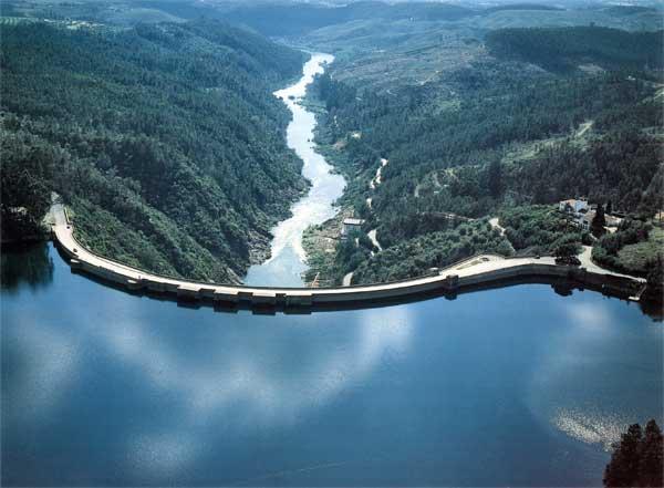 """Dam of """"Castelo de Bode"""""""