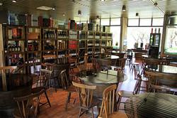 Quinta da Bacalhôa wine store