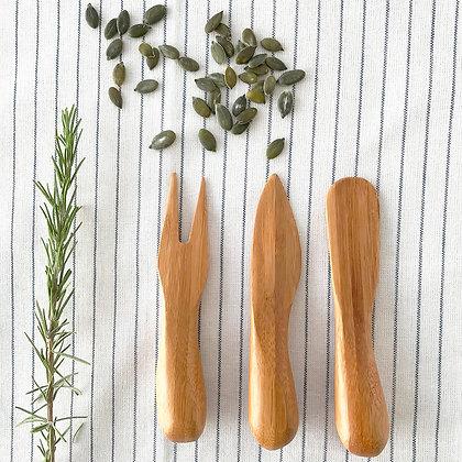 Set couteaux et fourchette à fromage en bambou
