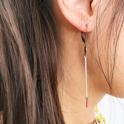 Boucles d'oreilles longues - Modèle Daisy - couleur blanc