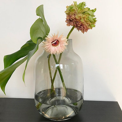 Vase en verre transparent gris courbes arrondies