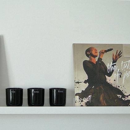 3 Photophores vases en verre noir sur étagères