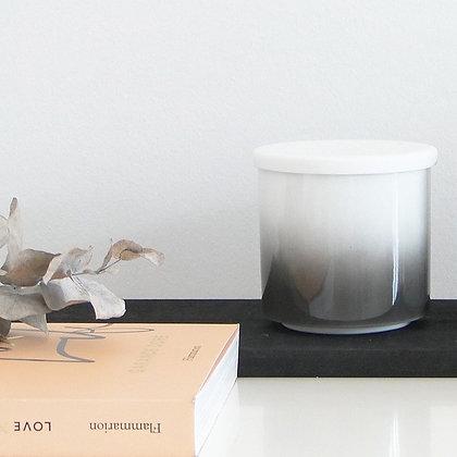 Pot en porcelaine avec couvercle effet tie & dye